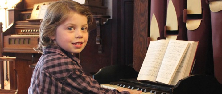 Child Plays Estey Child Organ